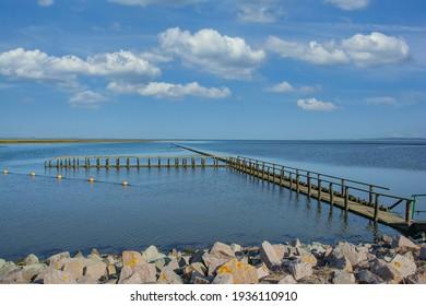 Badegebiet mit der Bezeichnung Lundenbergsand in der Nähe von Husum in der Nordsee, Nordfriesland, Deutschland