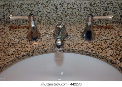 Bathroom faucet fixture