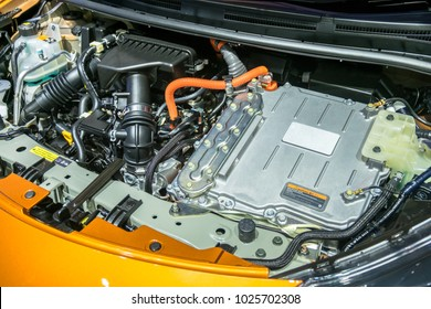 Battery hybrid engine car
