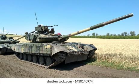 Battle column of tanks t-64