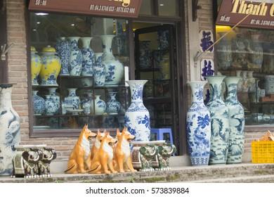 Imágenes, fotos de stock y vectores sobre Handmade Pottery