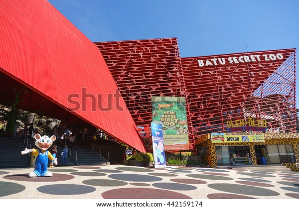 Batu Malang Indonesia Jun 12 2016 People Stock Image 442159174