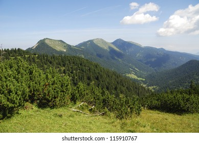 Bavarian alps - view from the Wank mountain in Garmisch (Bavaria, Germany)