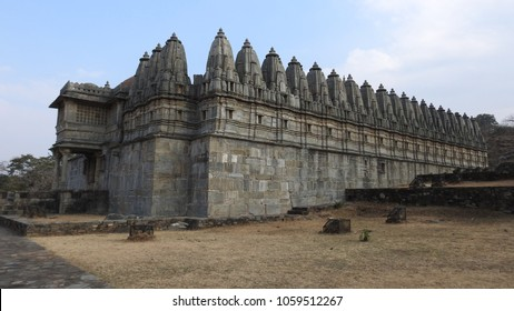 Bawan Devri temple is a jaina temple which has fifty-two shrines in a single compound built around the main shrine. It is located in Kumbhalgarh, near Udaipur, Rajasthan, India.