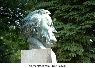 Bayreuth, Bavaria / Germany - June 22, 2005: Statue of the german composer Richard Wagner near the Bayreuth Festival Theatre on the Green Hill in Bavaria - Bayreuth, Germany