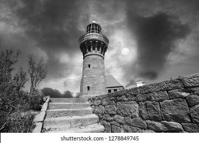 BBlack and white image of the Barrenjoey Lighthouse in Sydney Australia
