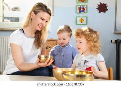 Be Mindfulness with children meditation with singing bowl