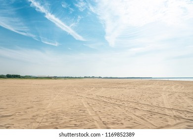 The beach of the early summer