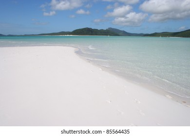 Beach in Hill's inlet on Whitsunday island off the Queensland coast of Australia