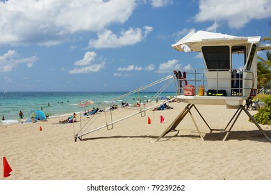 Beach with lifeguard station at Fort Lauderdale, Florida, USA