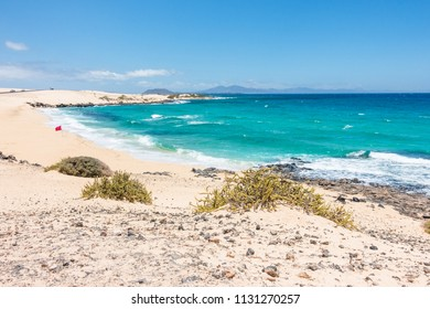 Beach near Corralejo, Parque Natural de Corralejo, Fuerteventura Island, Canary Islands, Spain