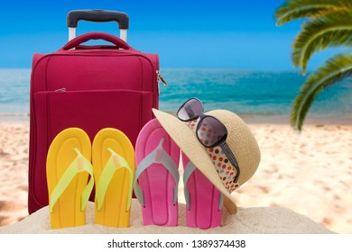 beach objects and summer holidays