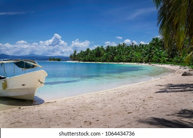 A beach of on of the small islands of San Blas Archipelago in Panama at the panamanian East Coast.