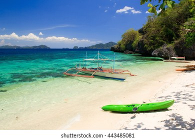 The beach on the tropical island. El Nido. Philippines.
