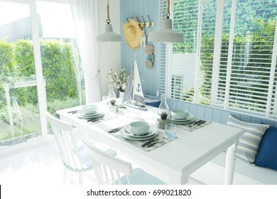 beach style dining table at home