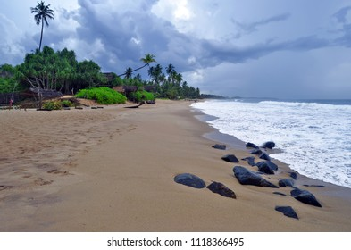 The beach of Tangalle, Sri Lanka, by an overcast weather.