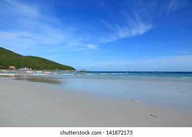 Beach and Tropical Sea, Koh Larn Pattaya thailand.