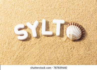 Beach Vacation Sylt - Sunshine Letters in the sand