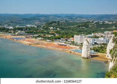 The beach of Vieste from above