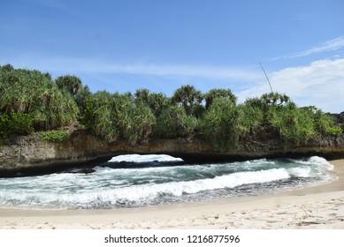37f87e2409d05 Danar rafi ekandsya portfolio on shutterstock jpg 389x280 Rafi beach