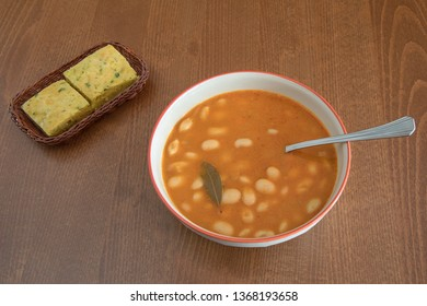 Beans with cornbread, a healthy lunch