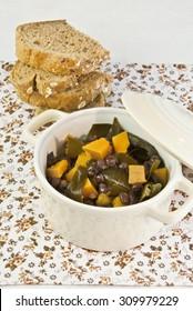 beans, legume, black, algae, kombu,pumpkin, cooked, stew,bread, seds, cereals,cooking pot, vegetarian food, vegan, veggie, frijoles,boiled, casserole
