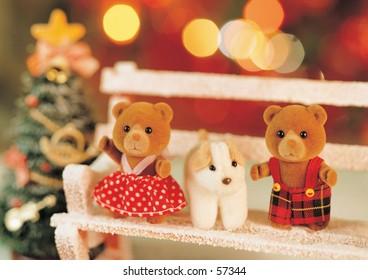 bear family in christmas
