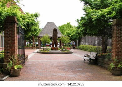 Bear Plaza, New Bern, North Carolina