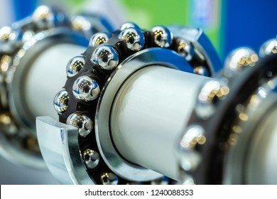 Bearings. Bearing section. Manufacture of machinery. Details for mechanisms. Repairs. Ball bearings.