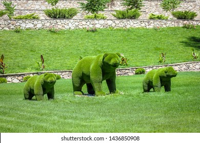 bears created from bushes at green animals. Topiary gardens