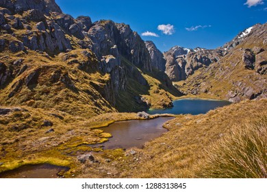 Beatiful Routeburn track in New Zealand, great walks, magical zealands destinations, Zealandian south island alps