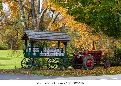 A beatuful fall roadside apple stand