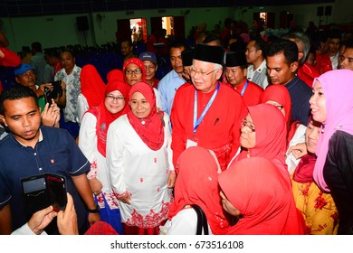 Beaufort Sabah Malaysia - Aug 28, 2016: Malaysian Prime Minister, Najib Razak poses for a picture with UMNO Women member.  Malaysia has a multi-party system since the first direct election in 1955.