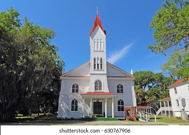 BEAUFORT, SOUTH CAROLINA - APRIL 16 2017: Tabernacle Baptist Church on Craven Street in the Historic District. The church was built by the African-American community in 1840 and was remodeled in 1893.