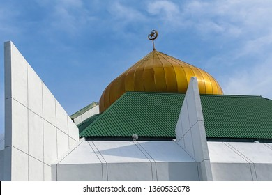 Beaufort,Sabah-Sept 1,2018:A view of Beaufort Mosque during sunny day at Beaufort,Sabah Borneo,MalaysiaMalaysia. Beaufort is a small town in south western Sabah,Malaysia.