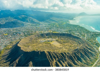 Beautiful aerial view on the diamond head crater on the island of Oahu, Hawaii.