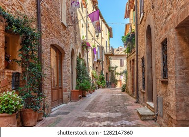 Beautiful alley in Tuscany, Old town, Pienza, Italy