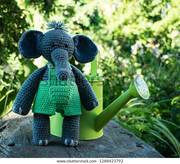 Adorable Crochet Elephant Amigurumi Free Patterns | Patrones ... | 545x600