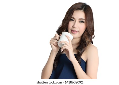 beautiful asian woman drinking hot coffee in studio and white background