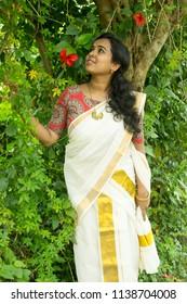 Kerala girls saree sorry