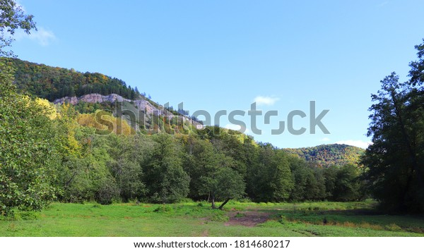 beautiful-autumn-landscape-mountains-gor