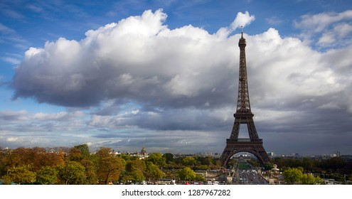 Beautiful autumn view of the Eiffel Tower in Paris