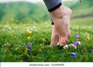 feet Beautiful barefoot girl