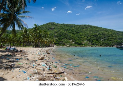 beautiful beach at Vinh Huy but it has many dirty garbage