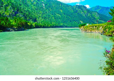 Beautiful blue and green waters of Katun River, Chemal, Altai Mountains, Southern Siberia, Russia, Asia