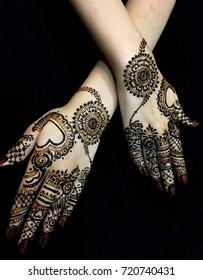 Beautiful bridal Mehendi Design on hands
