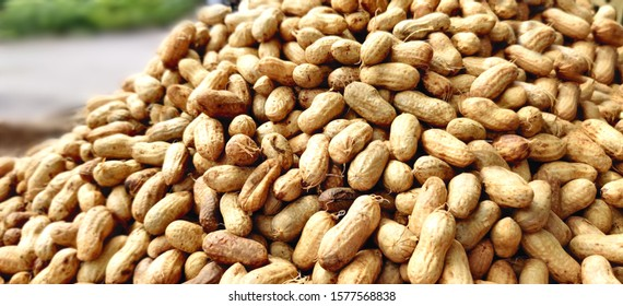 Beautiful brown groundnuts ready to be purchased at the market
