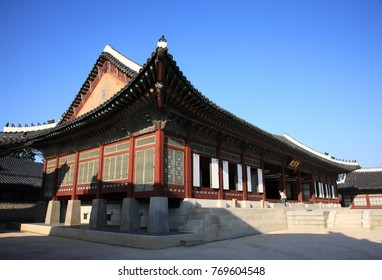Beautiful building of Kyeongbok Palace which is the royal palace of Joseon Dynasty located in Gwanghwamun, Seoul, Korea.