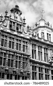 Beautiful building next to Grand Place (Grote Markt) in Brussels, Belgium
