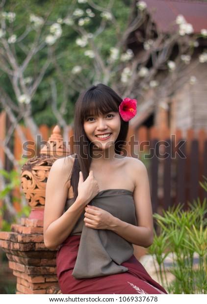 Thai girl tube